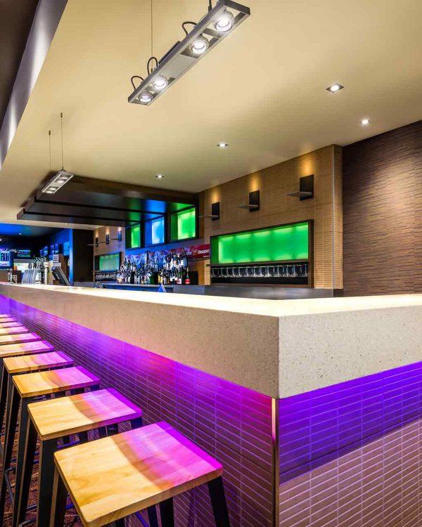 Epping_Plaza_Hotel_Bar_Counter_resized